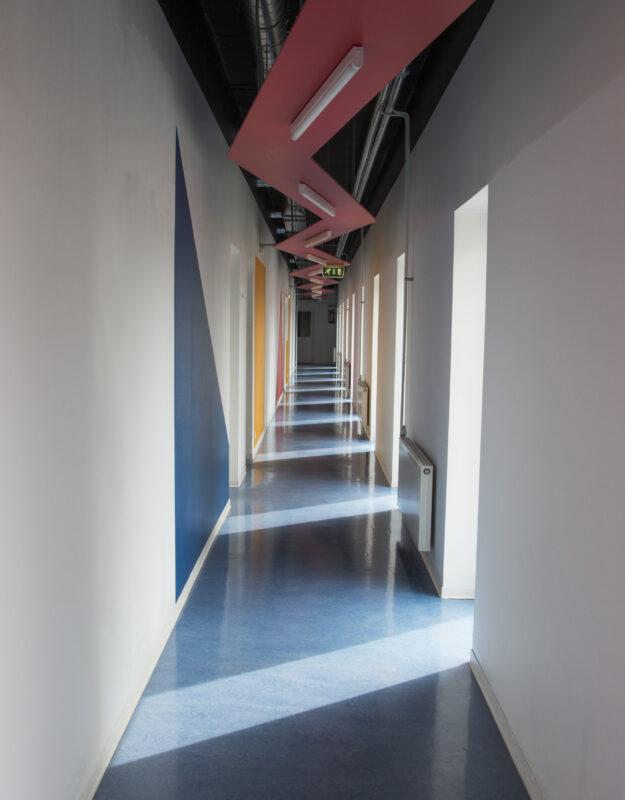 Riietusruumide koridor